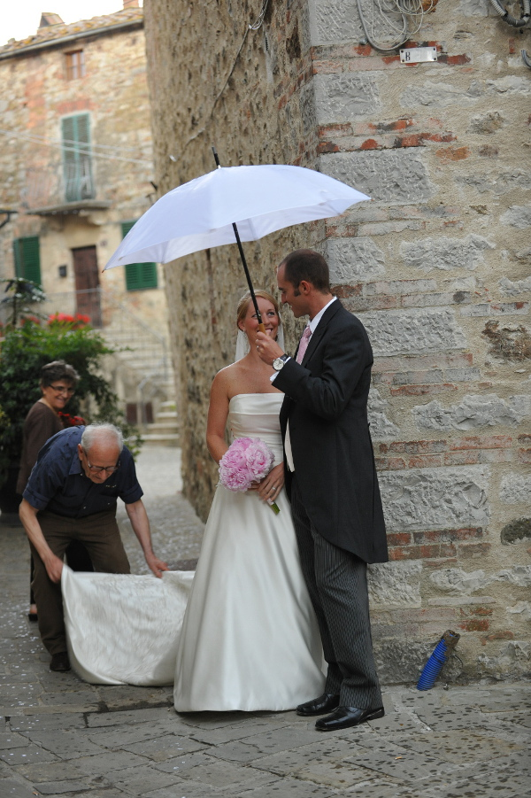 Wedding in Chianti meeting local people