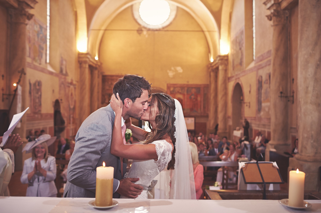 Catholic wedding ceremon i church in Italy