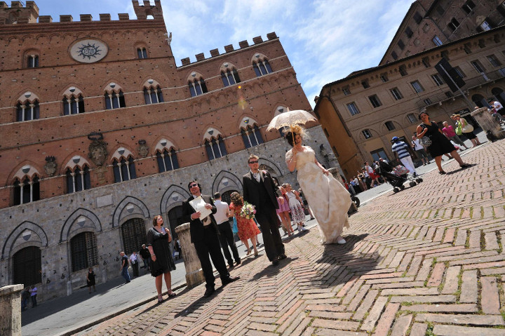 Wedding ceremony in Siena Tuscany