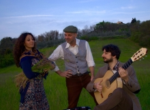 Tuscan Folk trio guitar accordion female vocals