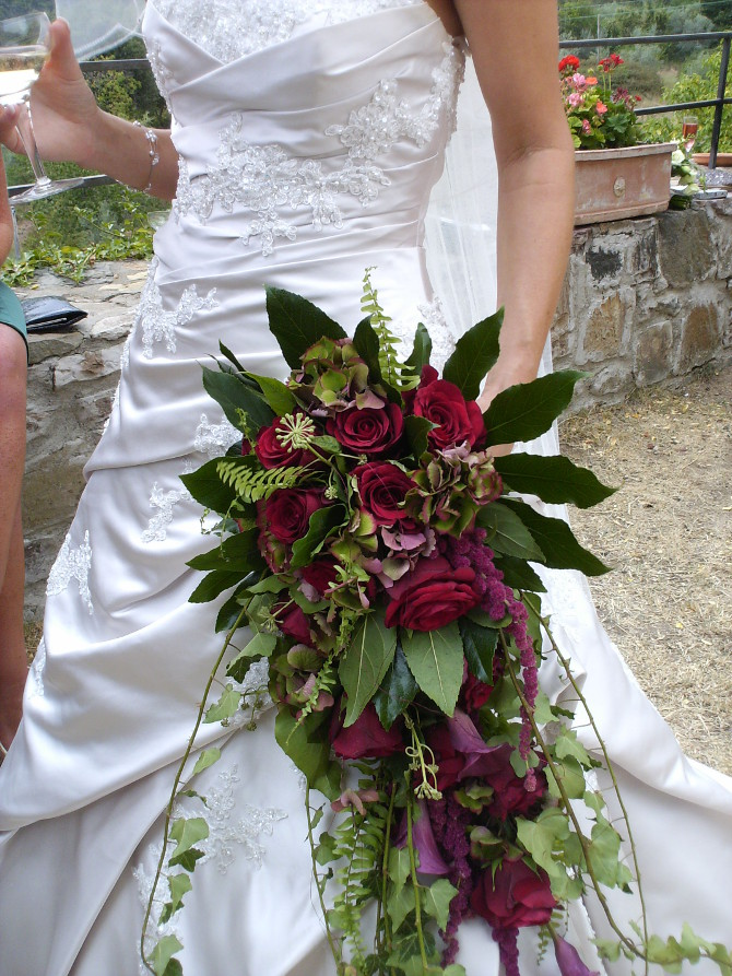 autumn burgundy red bridal flower bouquet