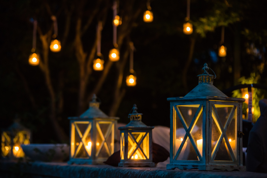 Illumination with lanterns