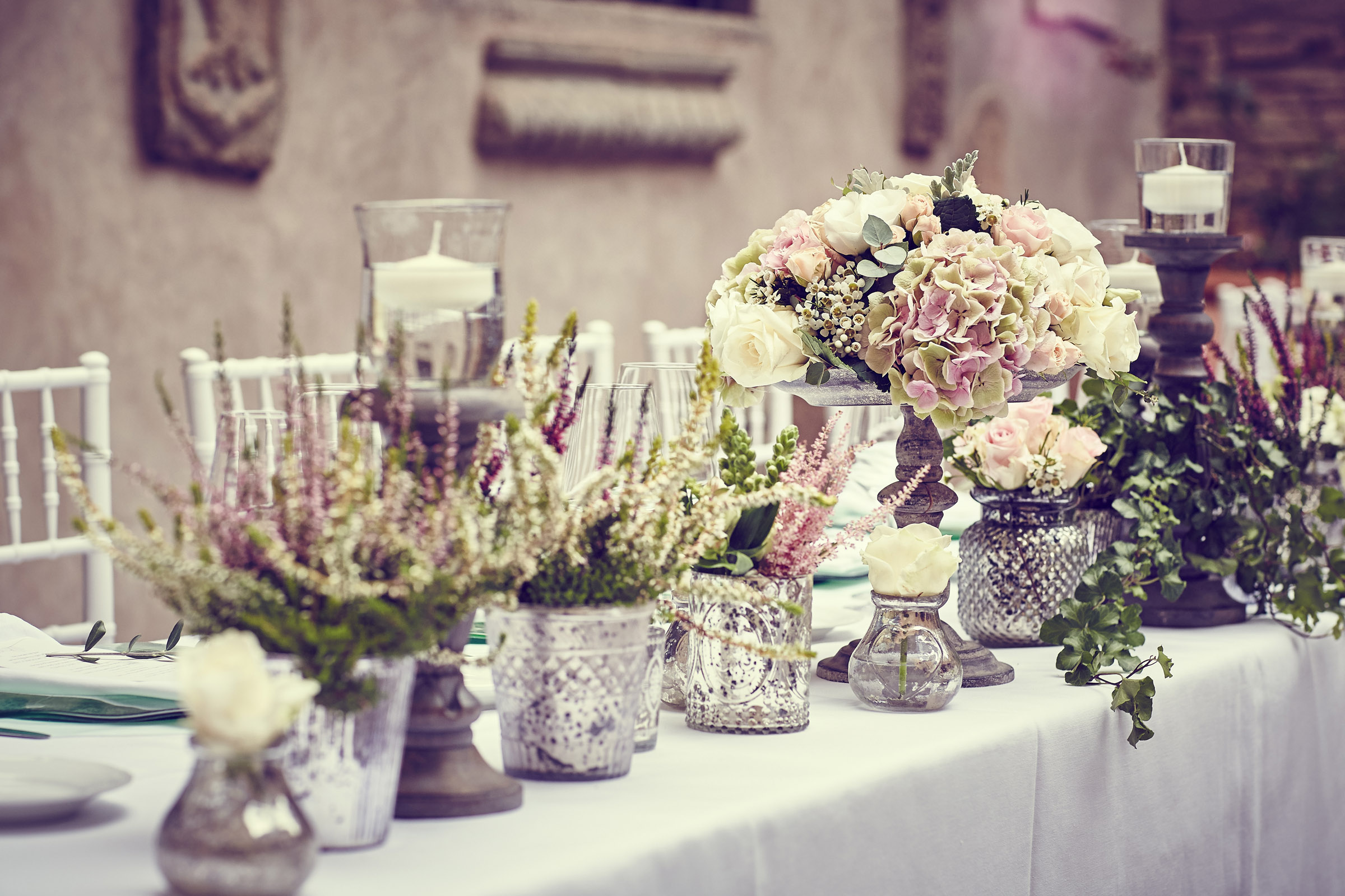 Dusky pink table decor