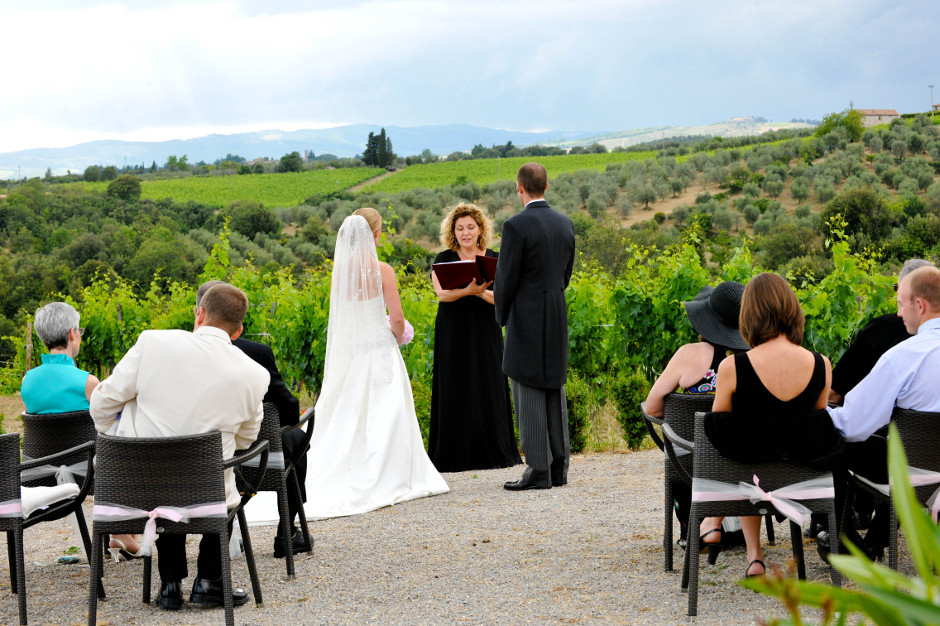 Wedding ceremony in Chianti