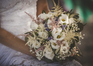 Natural wild flower bouquet for boho country bride