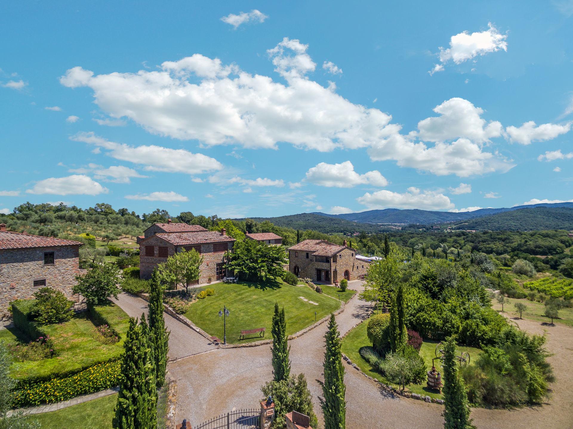 Country hamlet in Valdarno
