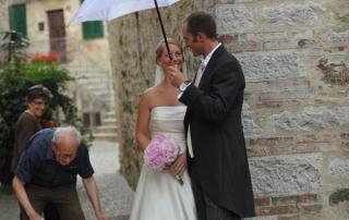 Wedding in Chianti meeting local people