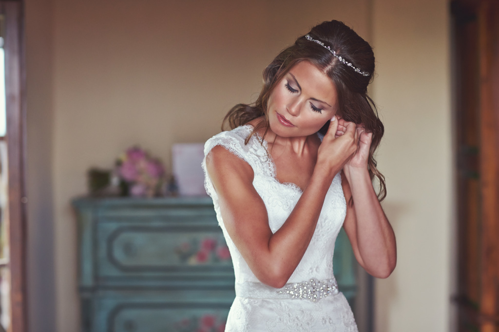 Bride in the morning of her wedding day