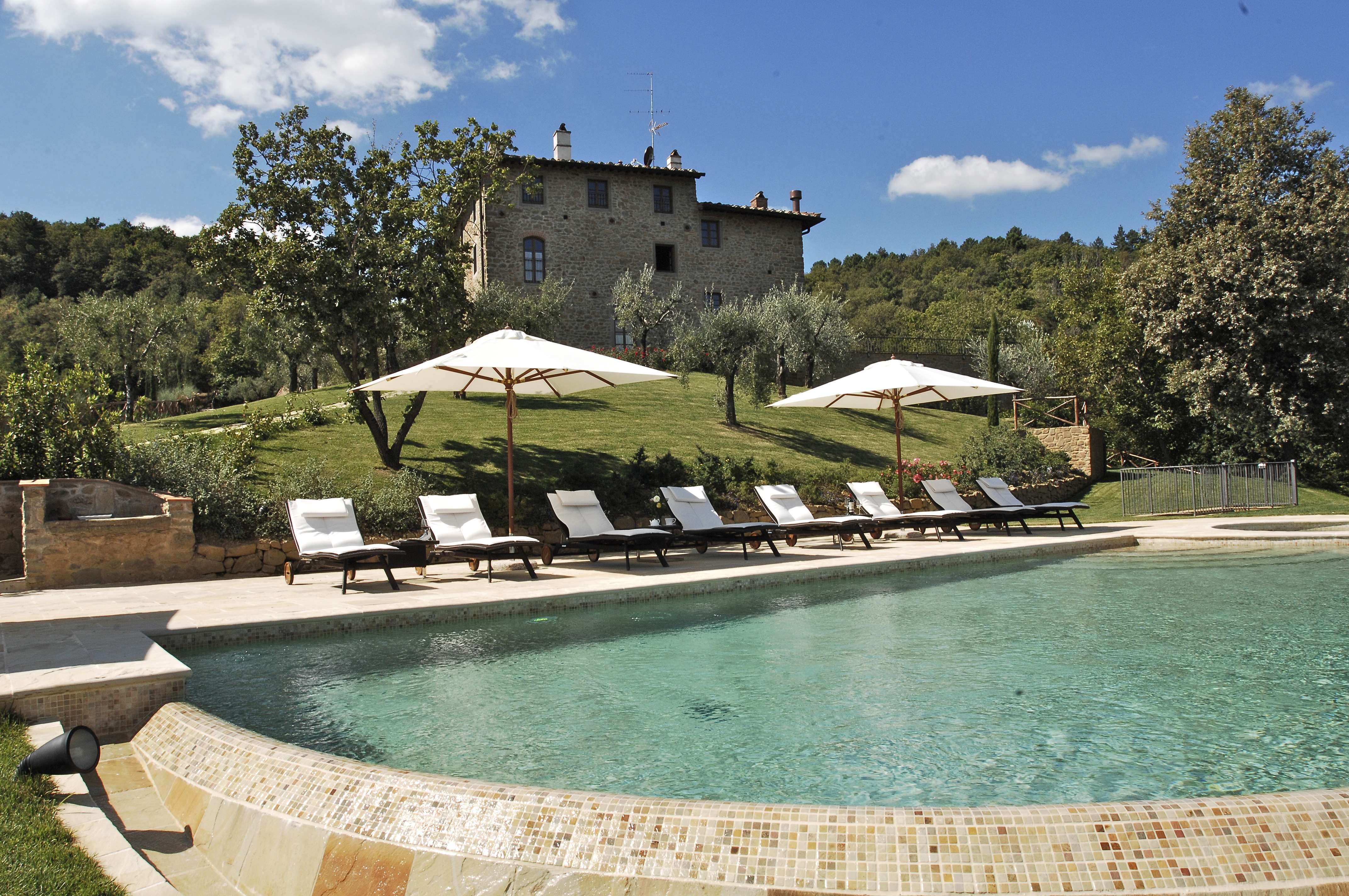 Charming rustic boutique villa in Tuscany