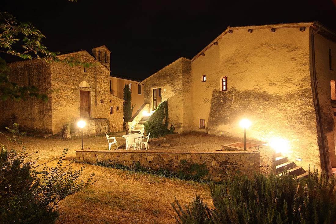 Charming hamlet in Siena