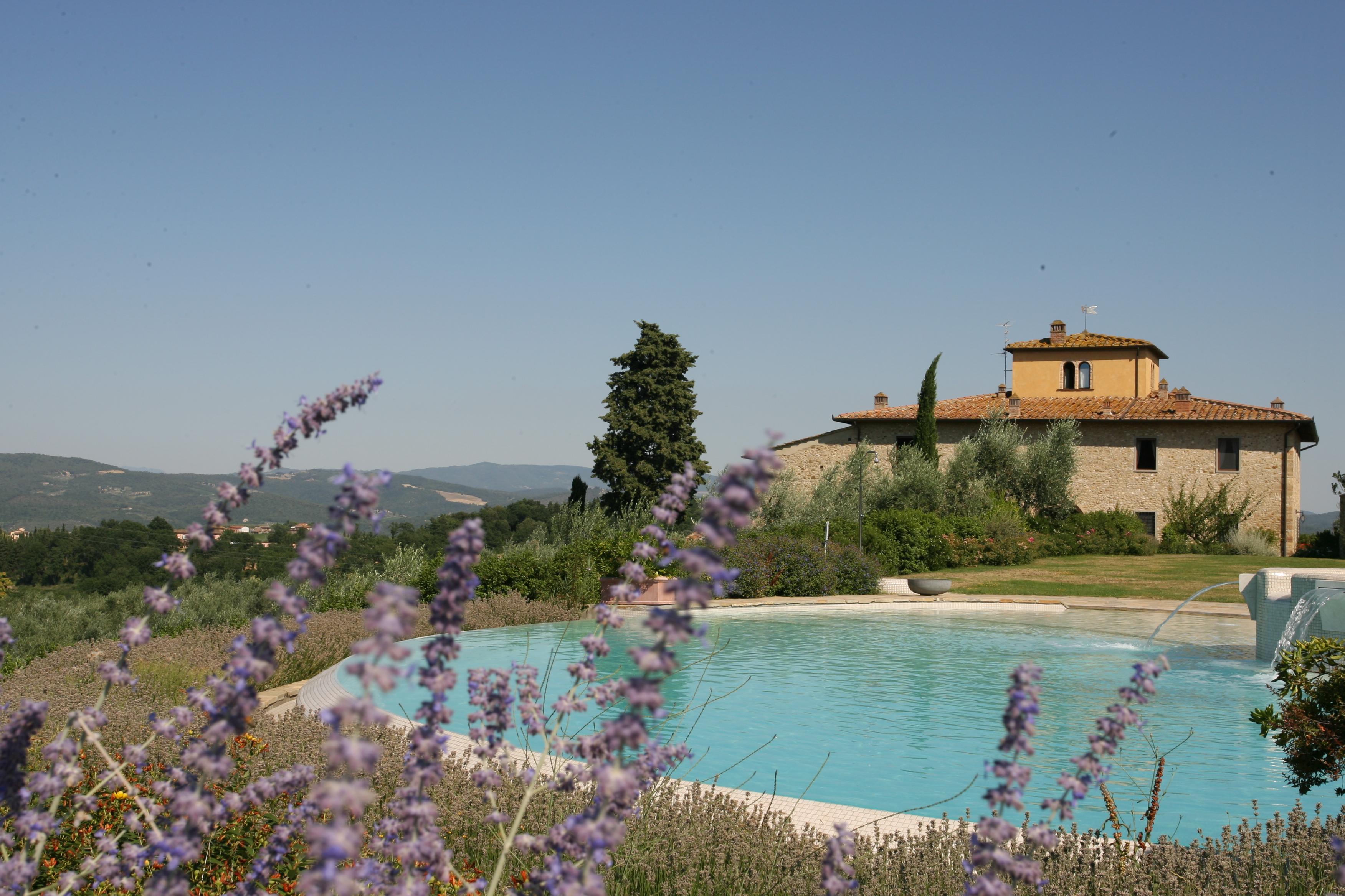 Sunny Chianti villa