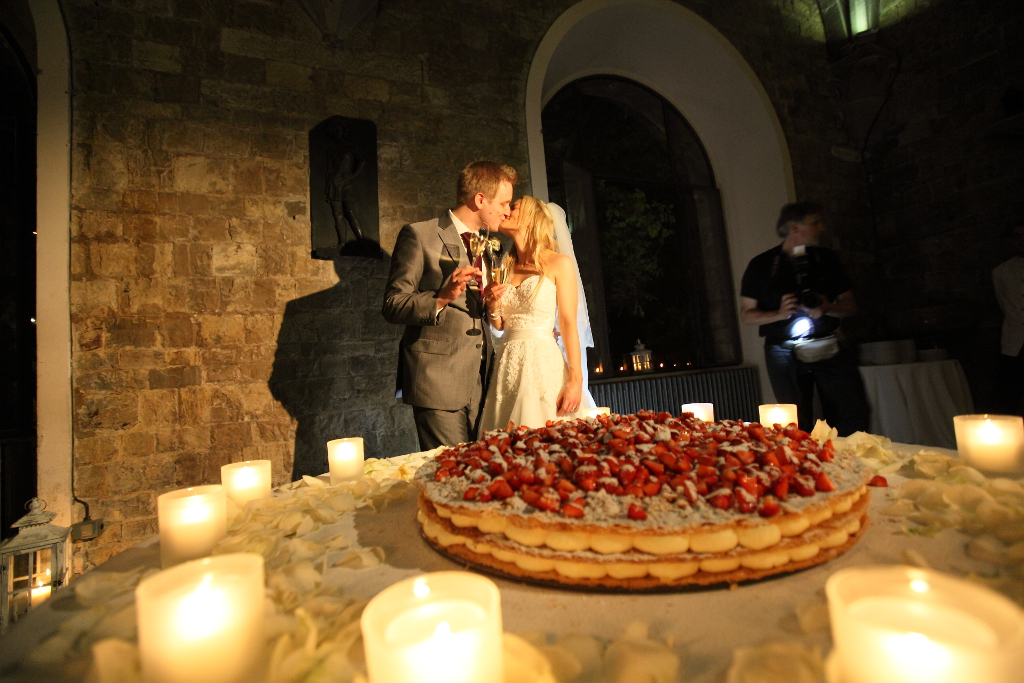 Millegoflie Typical Tuscan Wedding Cake