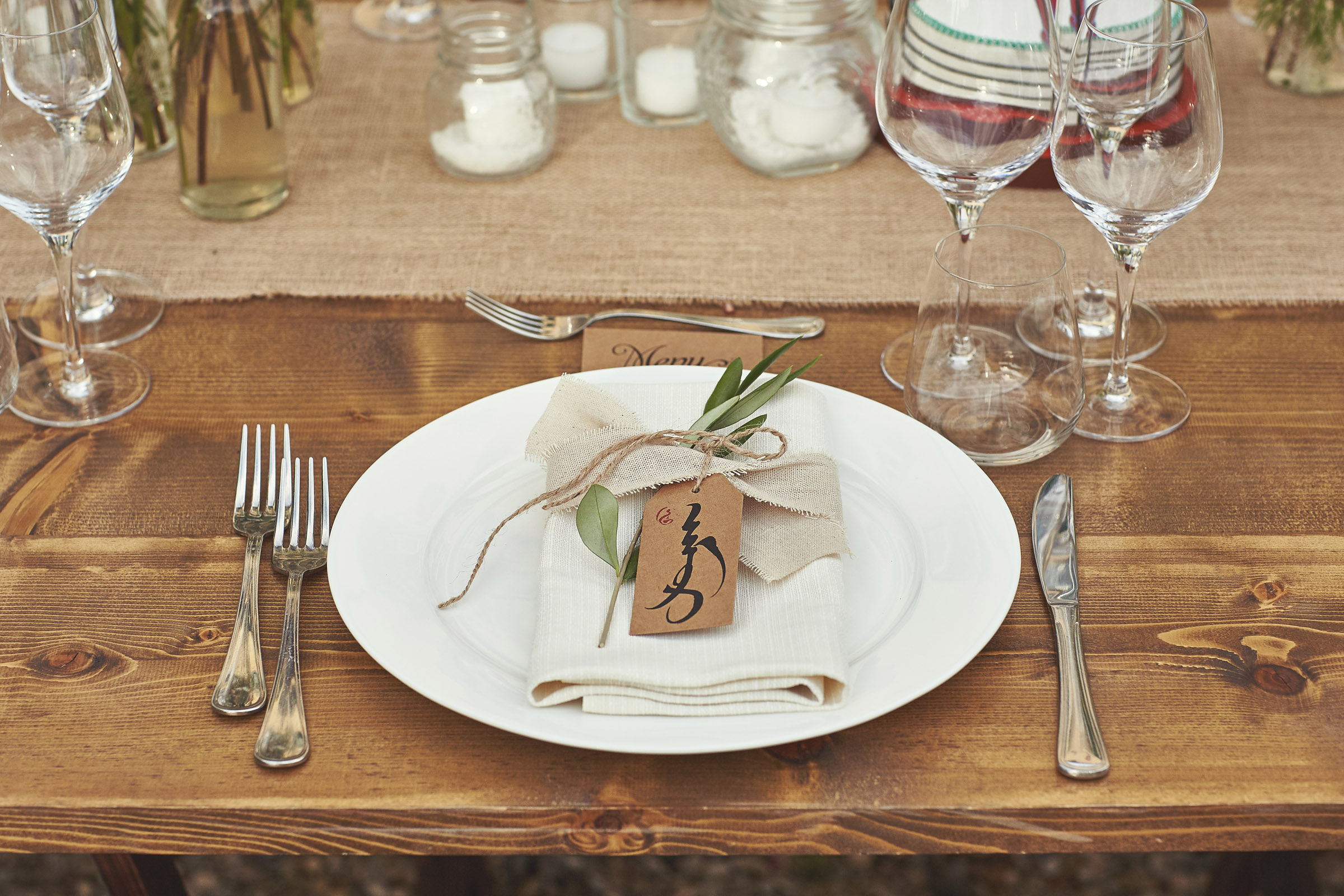 Design Your Table Decor With A Nicely Folded Napkin The Wedding Menu Hand Written Name Tags