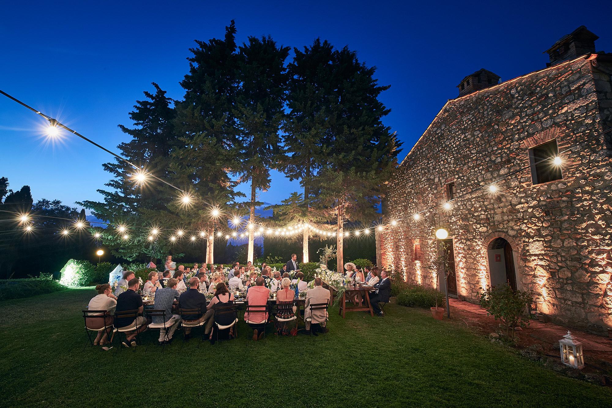Rustico country wedding with illumination