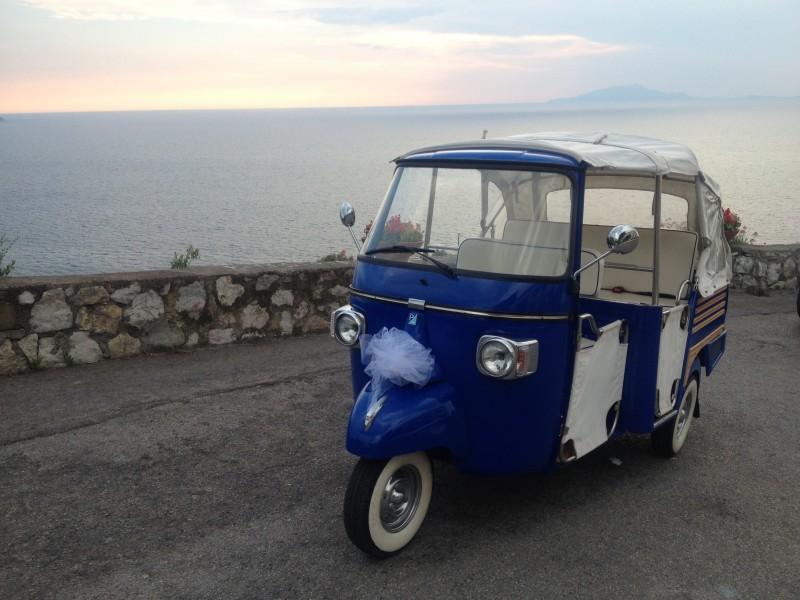 Italian Ape car for weddings in Tuscany