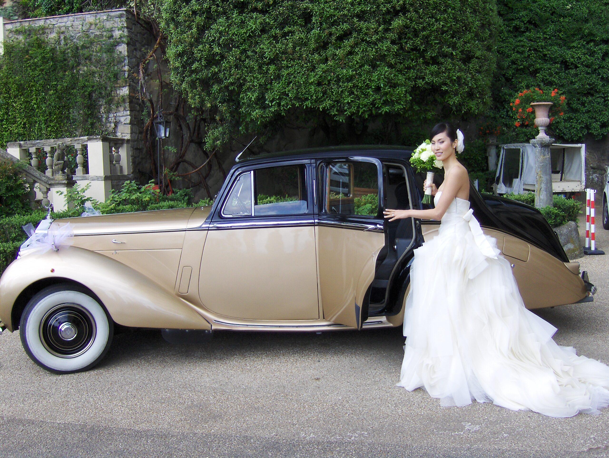 Classic wedding car Rolls Royce