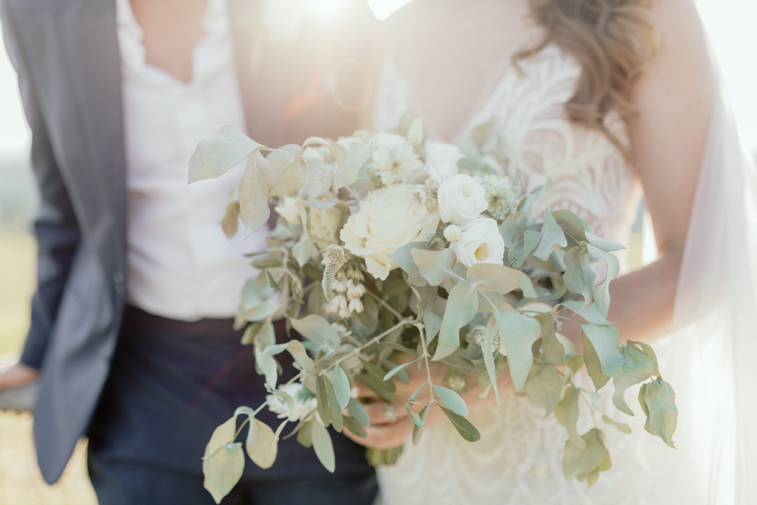 Natural wedding style and florals