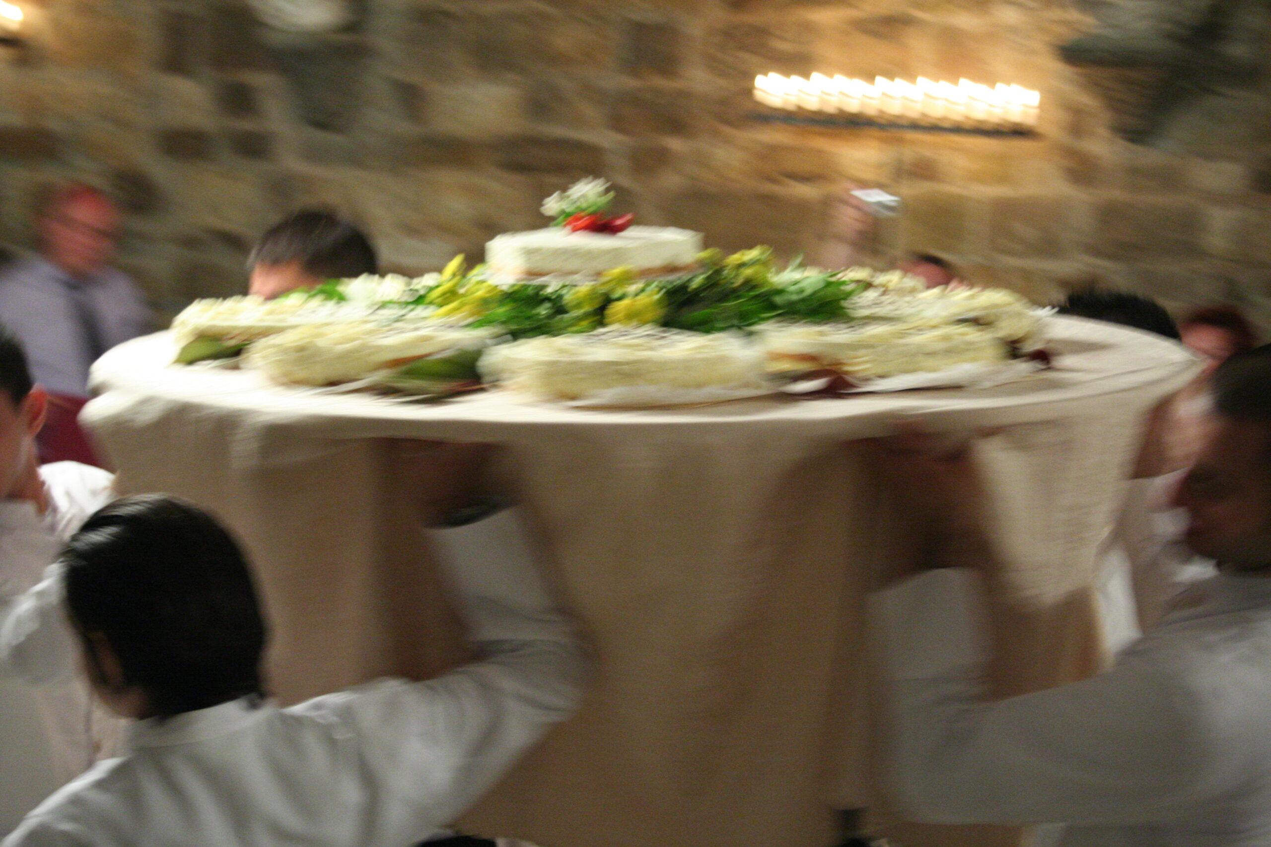 Italian wedding cake style